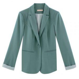 Le meilleur pressing pour votre veste de tailleur femme à Aix-en-Provence, c'est Dailywash