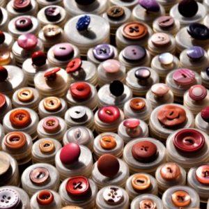 Service de retouche à Aix-en-Provence pour de bouton, pose de bouton avec Dailywash