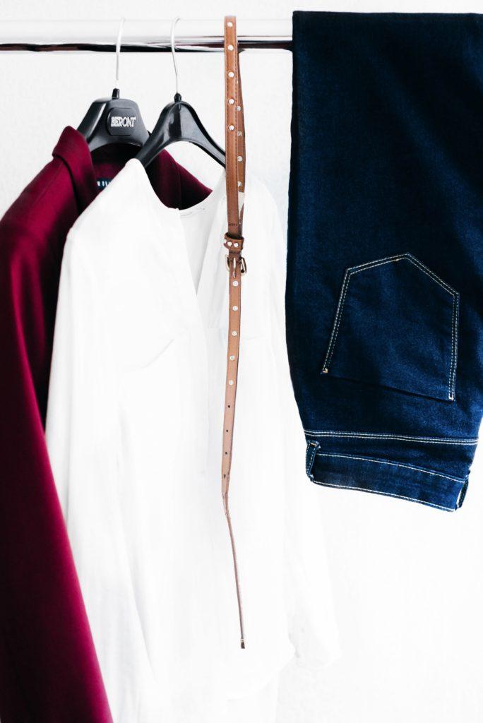 Passez par Dailywash pour le traitement de vos blouses, jeans et chemises
