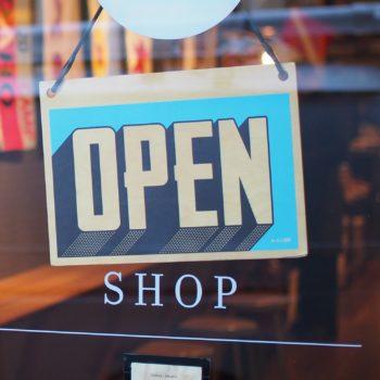 Commerces, boutiques et entreprises de services, faites le choix Dailywash pour l'entretien des tenues de vos collaborateurs à Aix-en-Provence