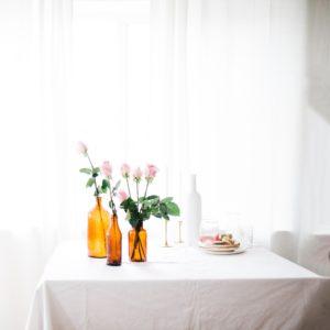 Choisissez Dailywash pour le nettoyage blanchisserie pressing de votre nappe de table à Aix !